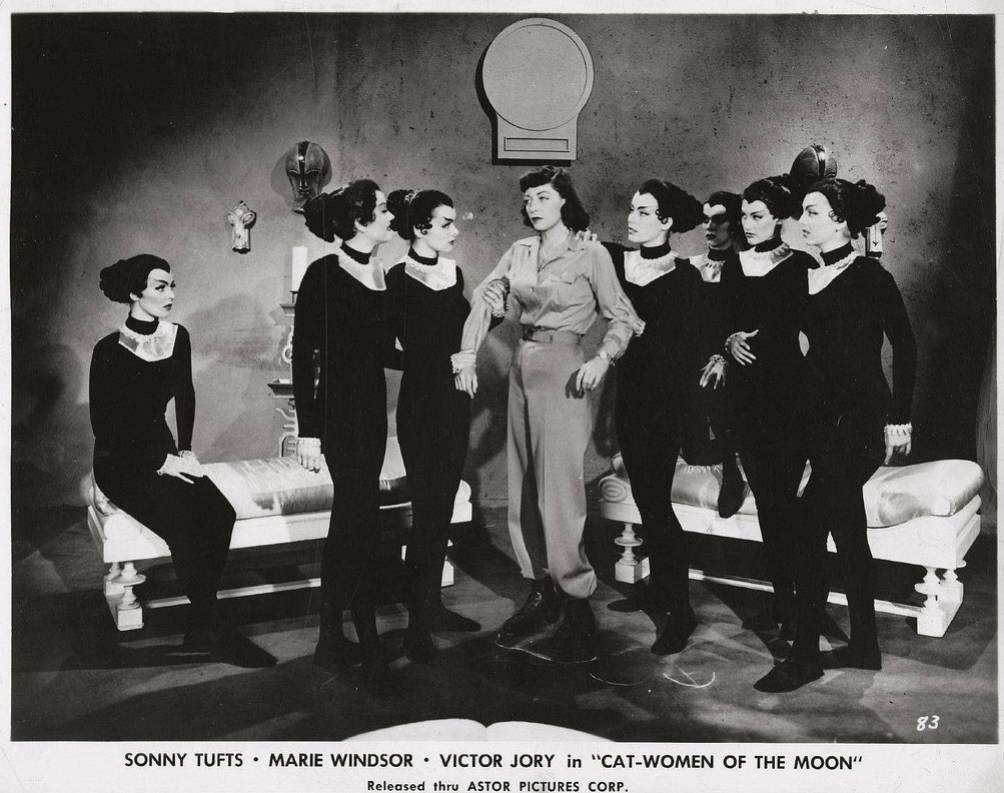 Marie Windsor in Cat-Women of the Moon (1953)