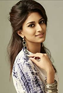 Erica Fernandes Picture