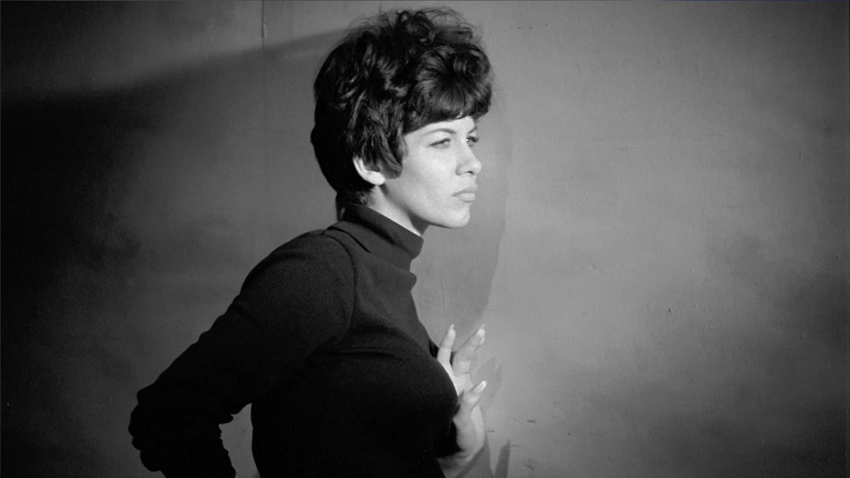 Marianne Prevost in Vibrations (1968)