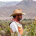 Damián Alcázar in La delgada línea amarilla (2015)