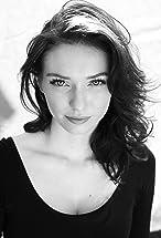 Eleanor Tomlinson's primary photo
