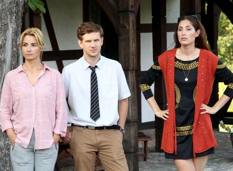 Joanna Brodzik, Antoni Królikowski, and Orina Krajewska in Pensjonat nad rozlewiskiem (2018)