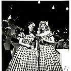 Sondra Locke and Penelope Milford in Rosie: The Rosemary Clooney Story (1982)