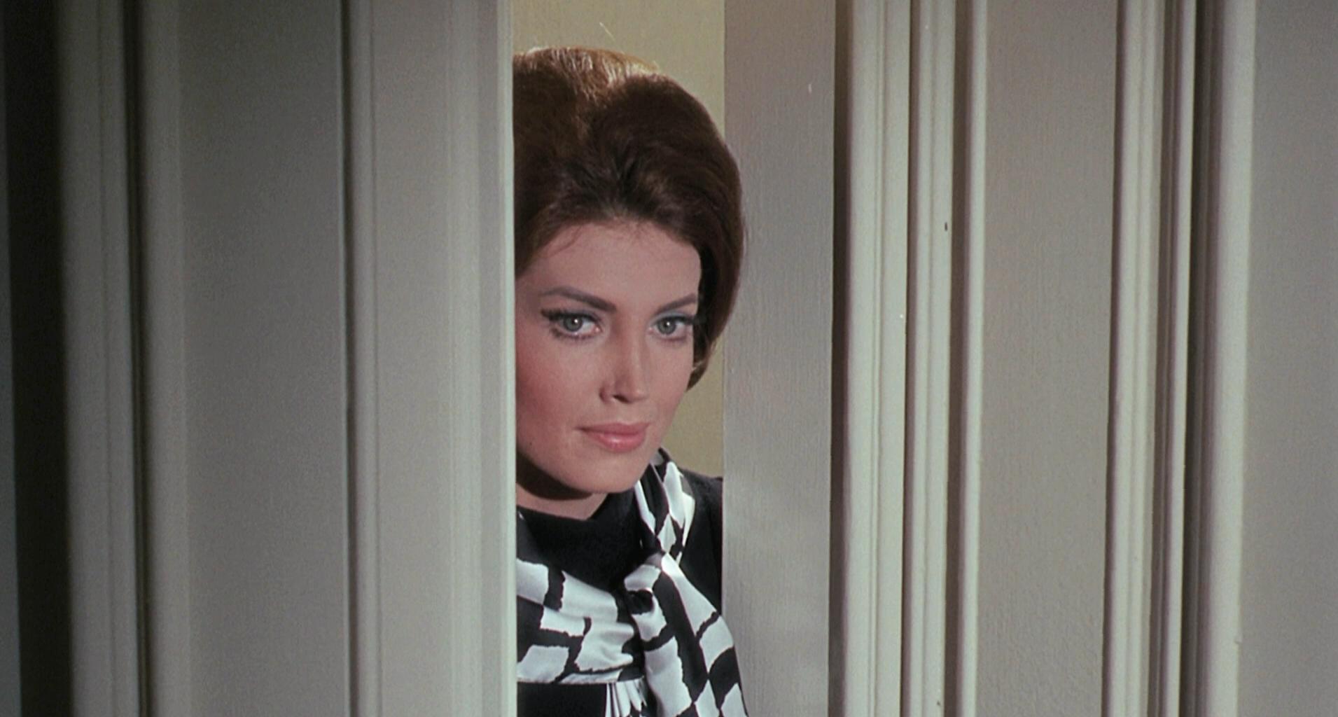 Gayle Hunnicutt in Eye of the Cat (1969)