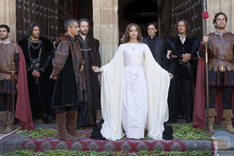 Ramon Madaula, Michelle Jenner, and Jordi Díaz in Isabel (2011)