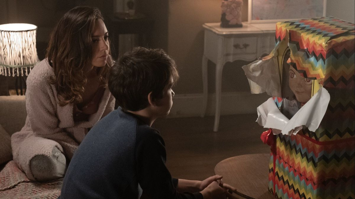 Mark Hamill, Aubrey Plaza, and Gabriel Bateman in Child's Play (2019)