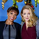 Holly Robinson Peete and Jennifer Finnigan in Angel of Christmas (2015)