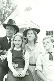 Glenn Ford, Elizabeth Cheshire, Julie Harris, and Lance Kerwin in The Family Holvak (1975)