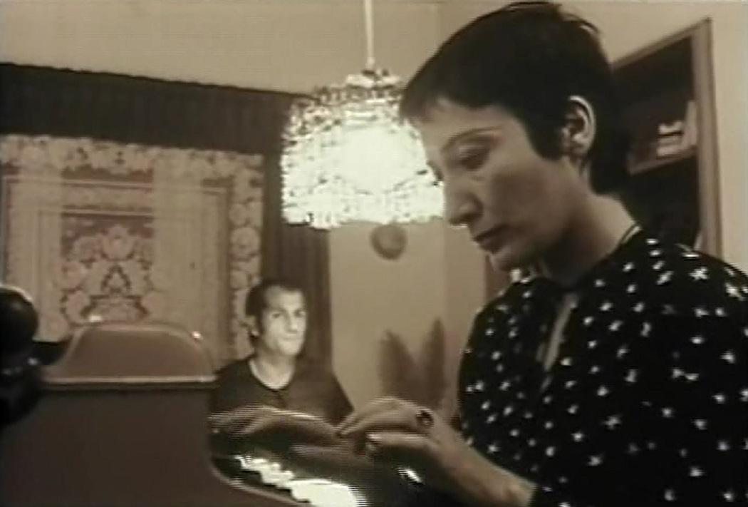 Parviz Kimiavi and Fahimeh Rastkar in Mogholha (1973)