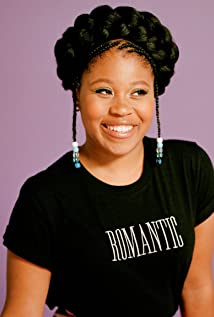 Dominique Fishback Picture