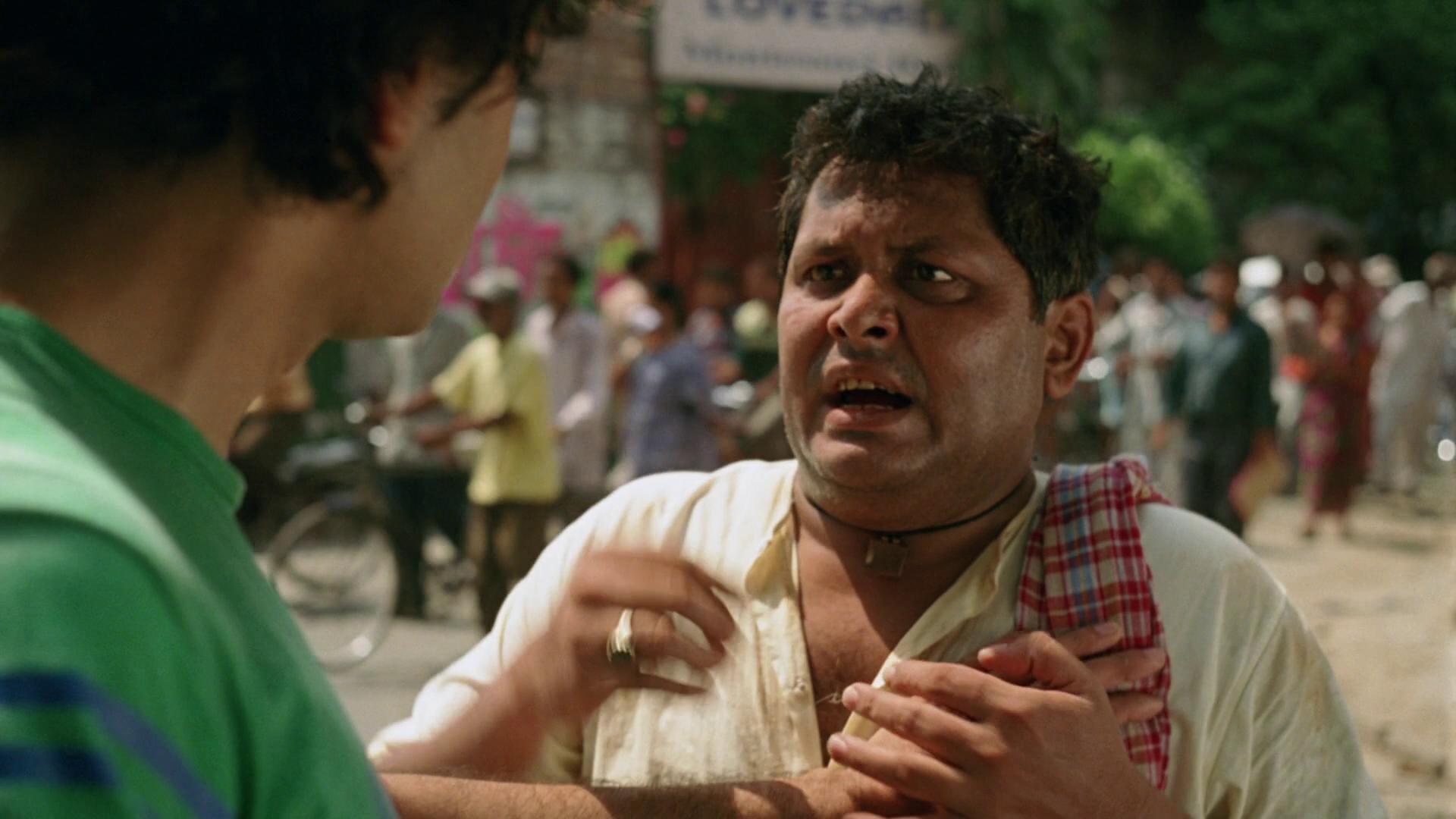 Kal Penn and Kharaj Mukherjee in The Namesake (2006)