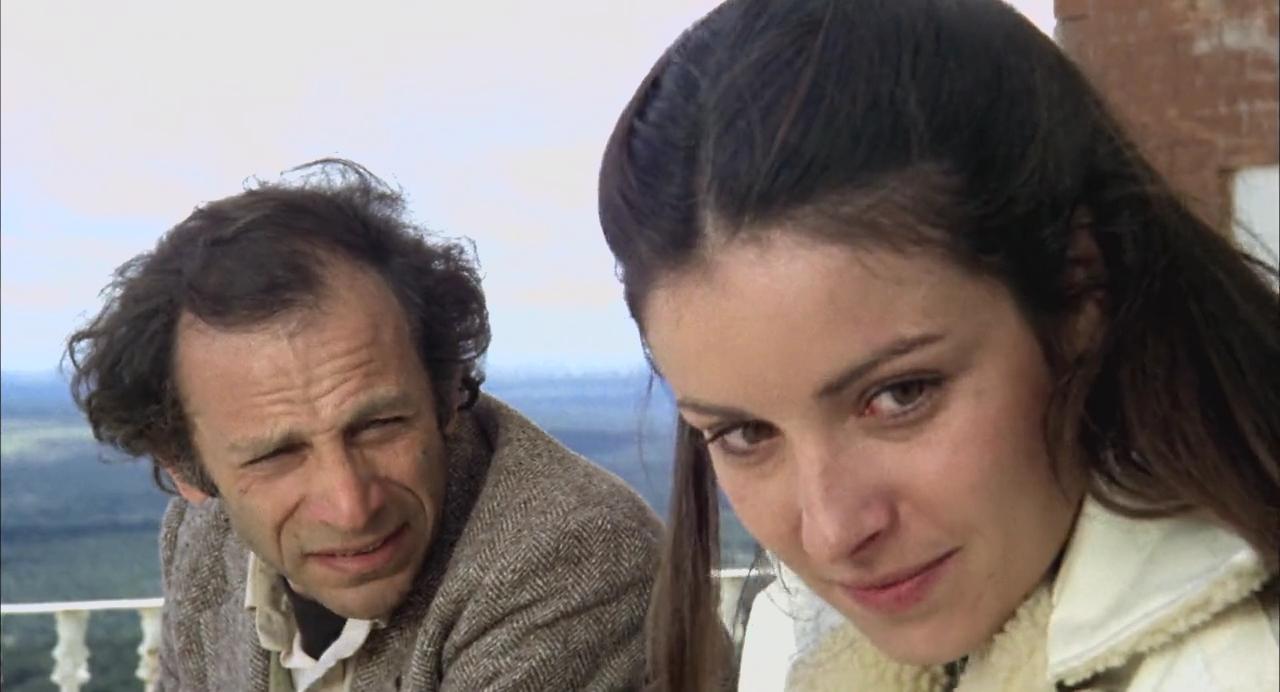 Norman Briski and Amparo Muñoz in Mamá cumple 100 años (1979)