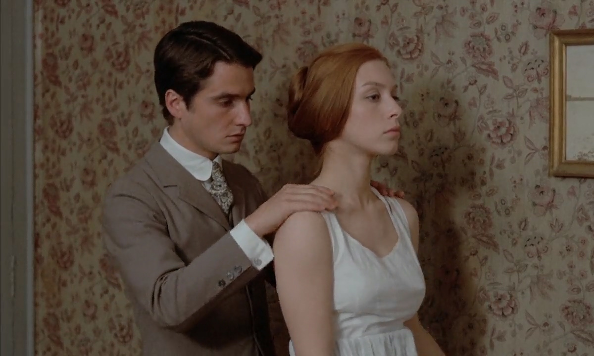Jean-Pierre Léaud and Stacey Tendeter in Les deux Anglaises et le continent (1971)