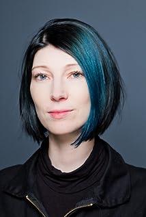 Juliana Neuhuber Picture