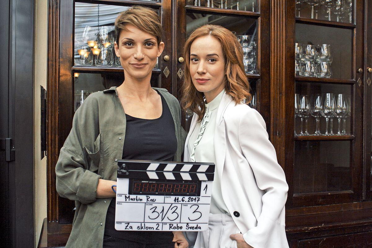 Tatiana Pauhofová and Zuzana Kanócz in Za sklom (2016)