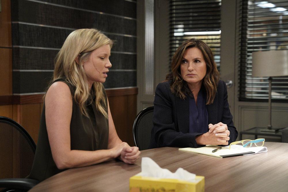 Mariska Hargitay and Amy Smart in Law & Order: Special Victims Unit (1999)