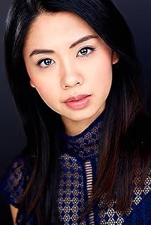 Zoe Lau Picture