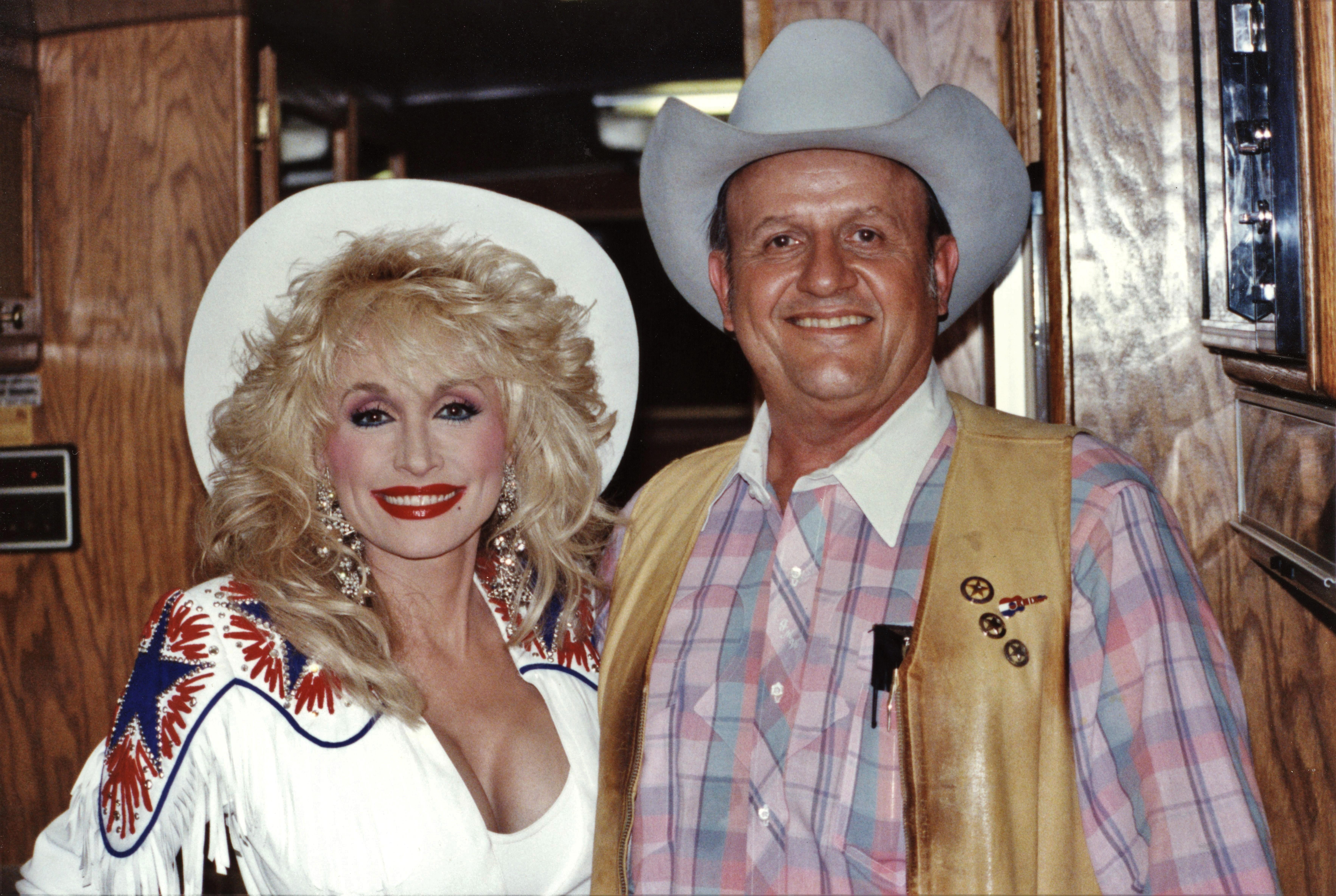 Dolly Parton in Wild Texas Wind (1991)