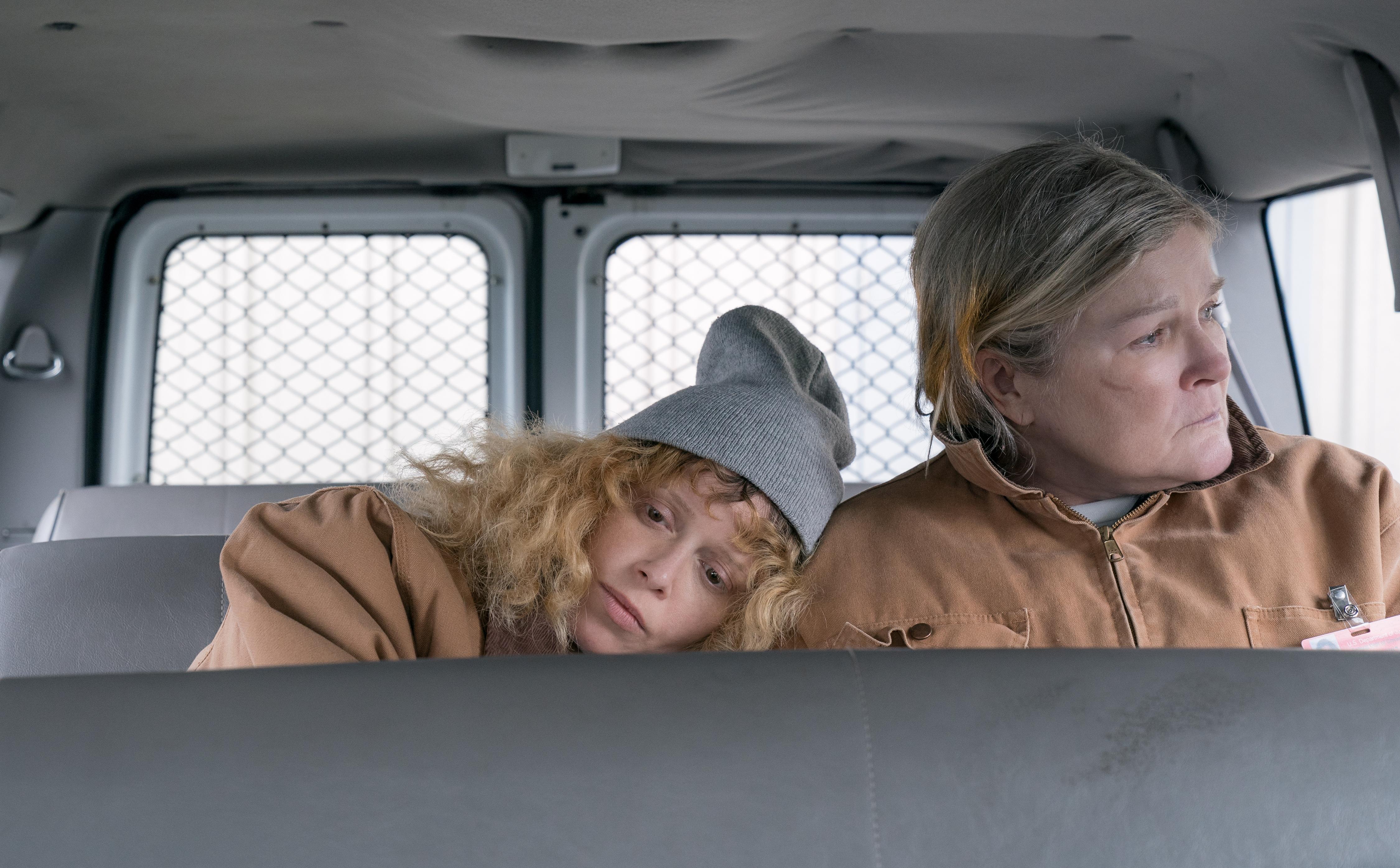 Kate Mulgrew and Natasha Lyonne in Orange Is the New Black (2013)