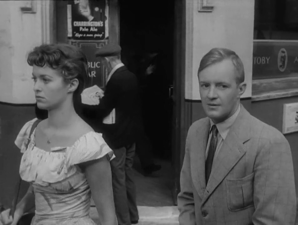 Eileen Moore and Peter Reynolds in I vinti (1953)