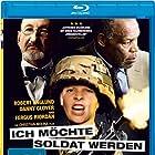 Robert Englund, Danny Glover, and Fergus Riordan in De mayor quiero ser soldado (2010)