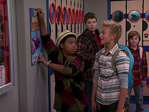 Benjamin Flores Jr. and Thomas Kuc in Game Shakers (2015)