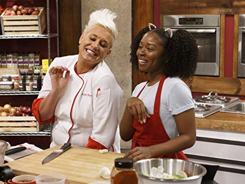 Shannon Akins and Anne Burrell in Let's Get Ready to Tailgate (2020)