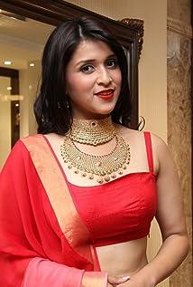 Mannara Chopra Picture
