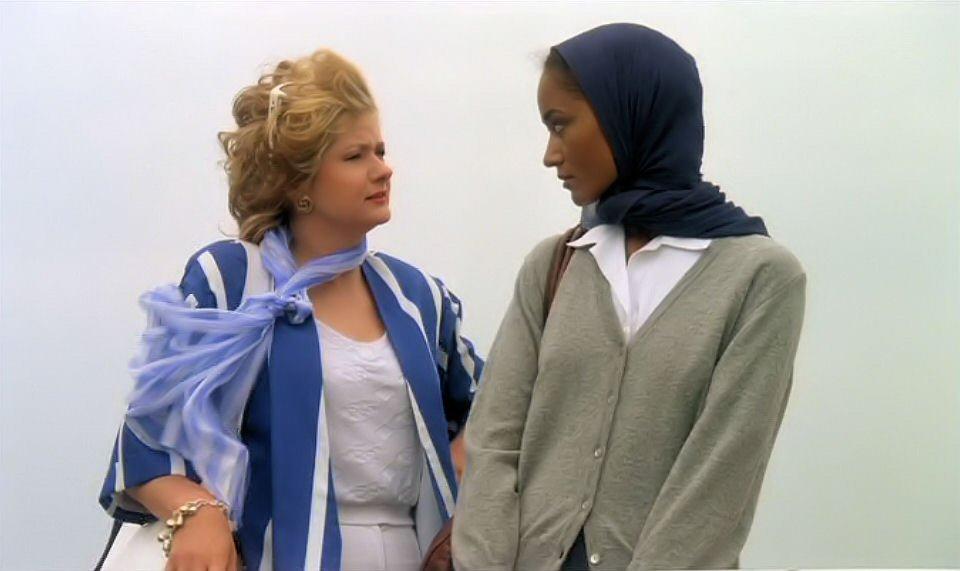 Anne Fiona and Catherine Jacob in Les maris, les femmes, les amants (1989)