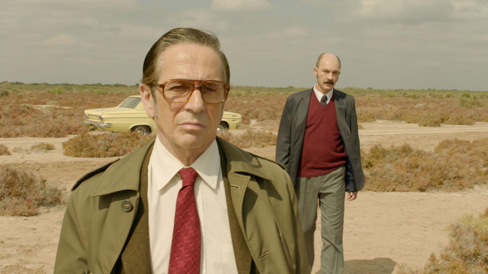 Darío Grandinetti and Alfredo Castro in Rojo (2018)
