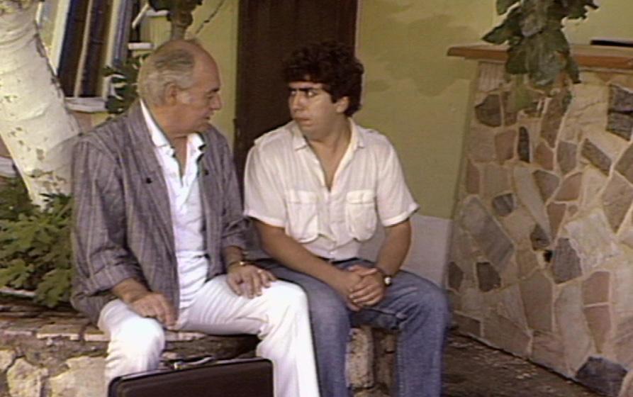 Dimitris Frangioglou and Giorgos Loukakis in Orma Rena stin arena (1988)