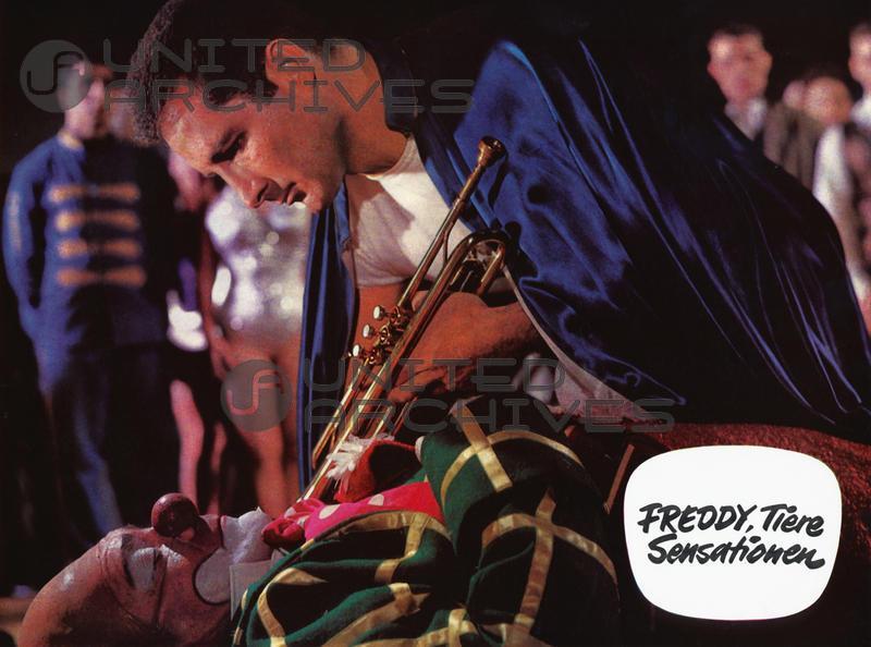 Joseph Offenbach and Freddy Quinn in Freddy, Tiere, Sensationen (1964)