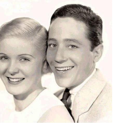 Ross Alexander and Jean Muir in A Midsummer Night's Dream (1935)