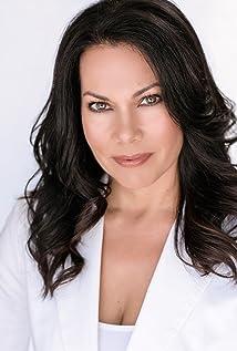 Elena Varela Picture