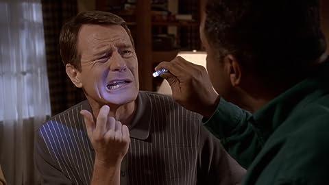 Malcolm 7×17 – Dentista de Hal