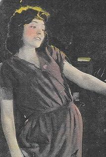 Hazel Keener Picture