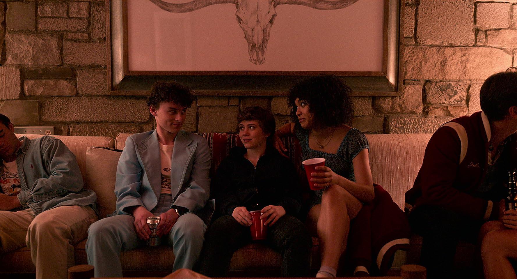 Wyatt Oleff, Sophia Lillis, and Sofia Bryant in Episode #1.3 (2020)
