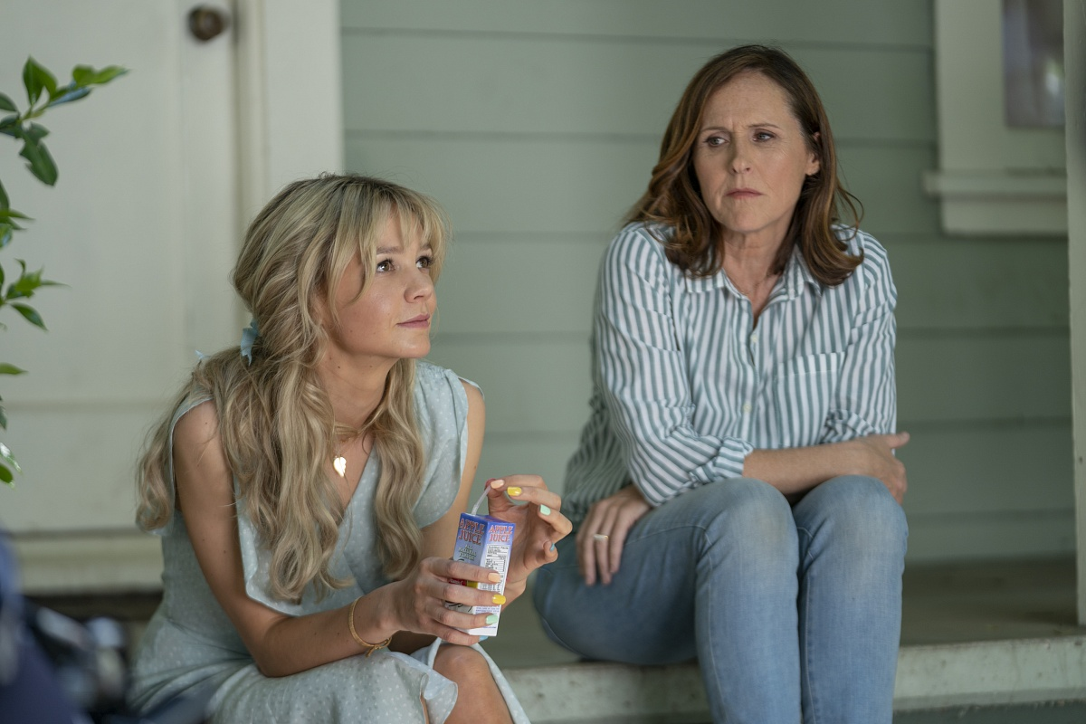 Molly Shannon and Carey Mulligan in Promising Young Woman (2020)