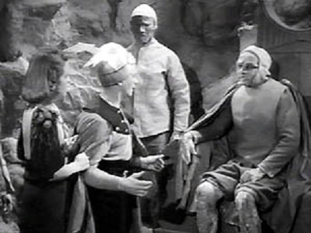 Donald Kerr, Jean Rogers, and C. Montague Shaw in Flash Gordon's Trip to Mars (1938)
