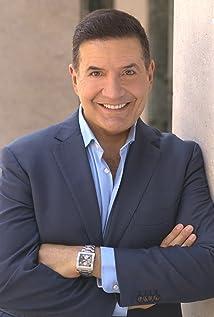 Mark Janicello Picture