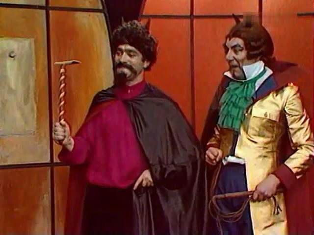 Jerzy Kamas and Zdzislaw Wardejn in Igraszki z diablem (1979)