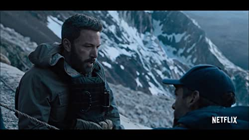 A group of former Special Forces operatives (Ben Affleck, Oscar Isaac, Charlie Hunnam, Garrett Hedlund, and Pedro Pascal) reunite to plan a heist in South America. But when events take an unexpected turn, their skills and morals are pushed to a breaking point in a battle for survival.
