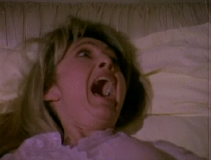 Lee Darling in Molly and the Ghost (1991)