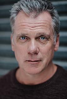 Erik Thomson Picture