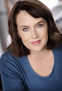 Laura Kirk Picture