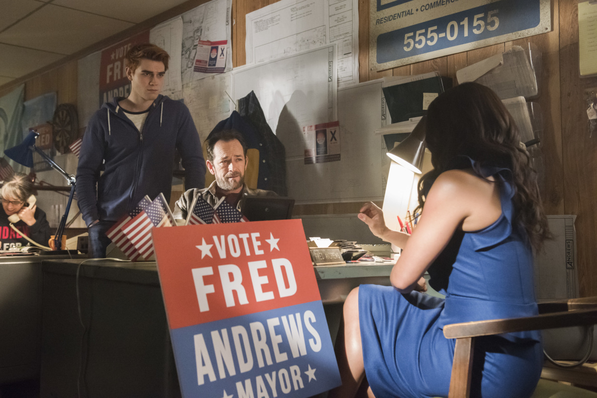 Luke Perry, Robin Givens, and K.J. Apa in Riverdale (2016)
