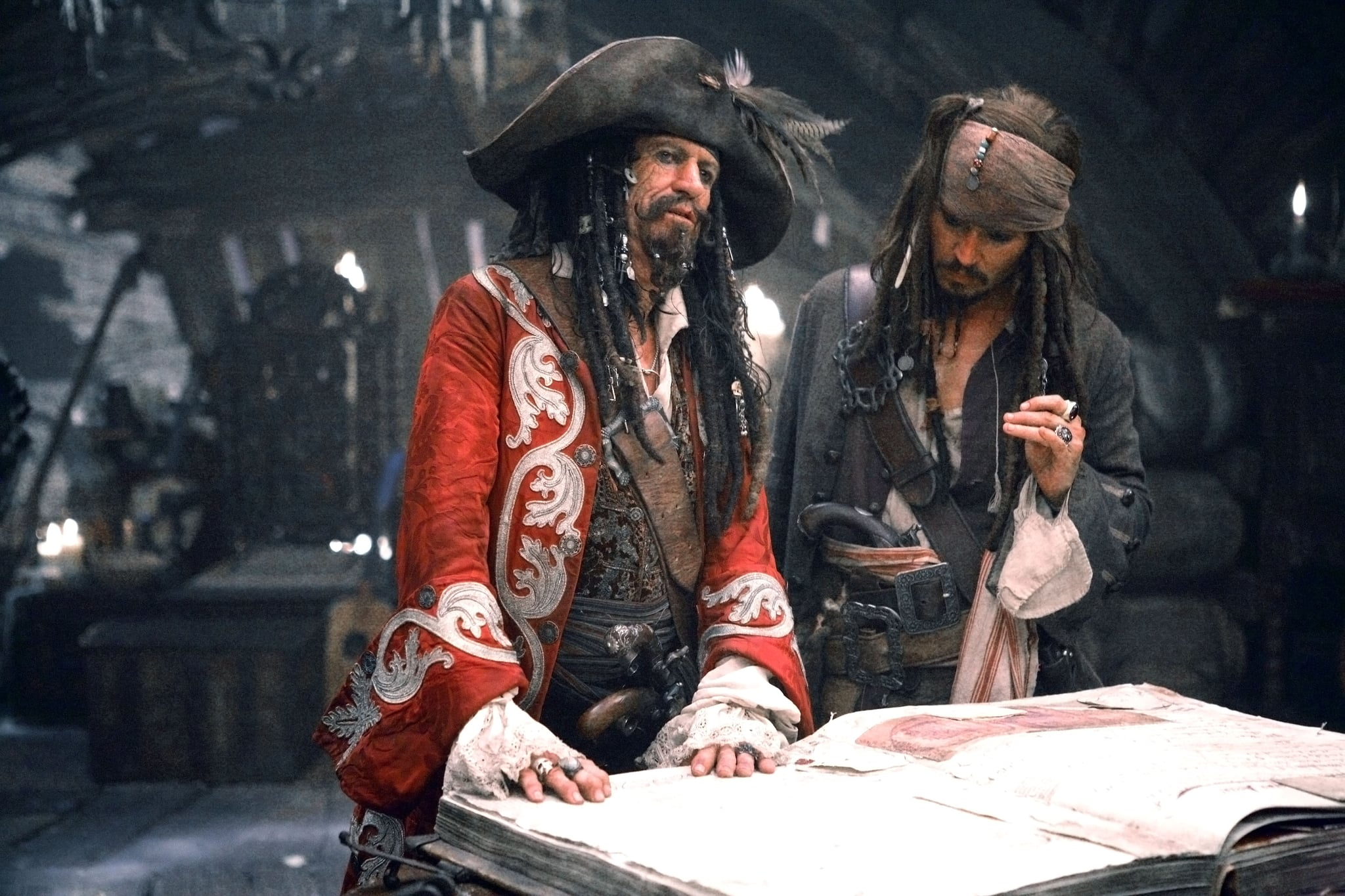 Johnny Depp and Keith Richards in Pirates of the Caribbean: At World's End (2007)