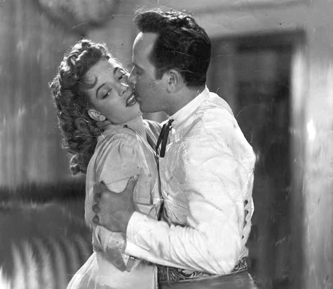 Amalia Aguilar and Pedro Infante in Dicen que soy mujeriego (1949)
