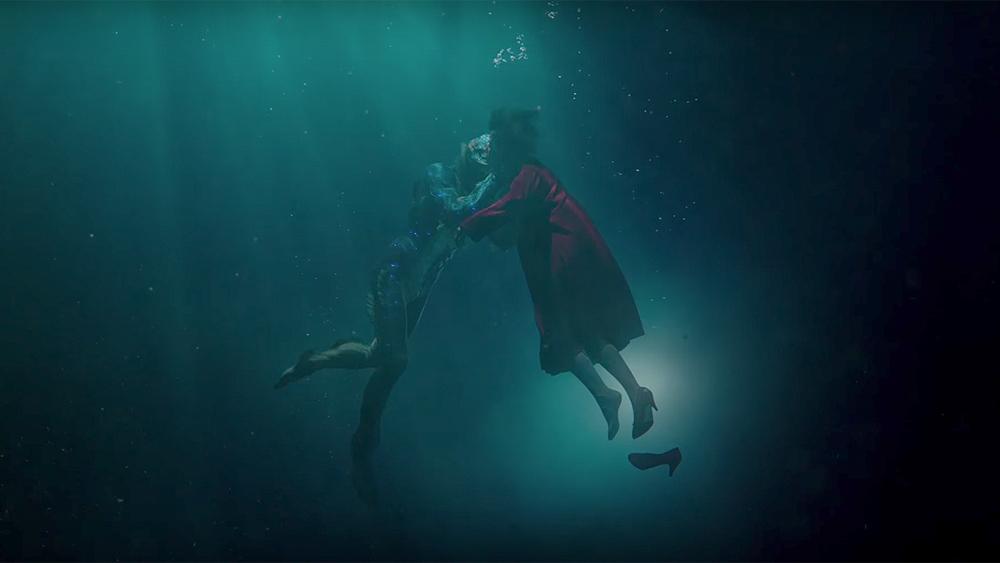 Doug Jones and Sally Hawkins in The Shape of Water (2017)