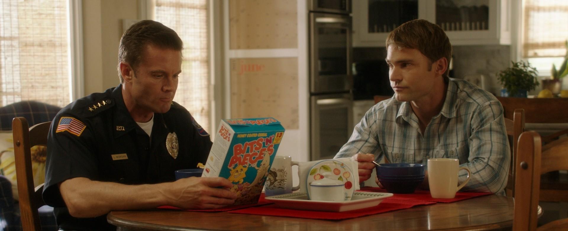 Sean William Scott and Garret Dillahunt in Just Before I Go (2014)